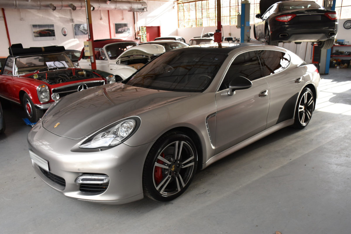 Porsche Panamera Turbo 500 CV Carbone Covering Wrapping Black carbon Customisation