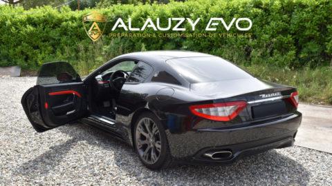 Covering personnalisation en rouge cardinal pour cette sublime Maserati GrandTurismo S